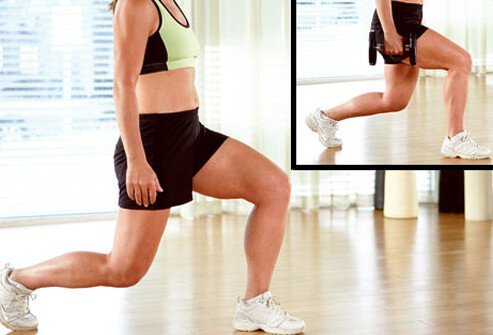 A trainer doing lunges with and without free weights.
