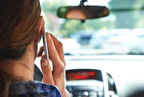 cell-phone-health-dangers-s5-talking-driving