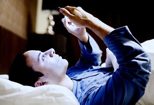 cell-phone-health-dangers-s6-blue-light-night