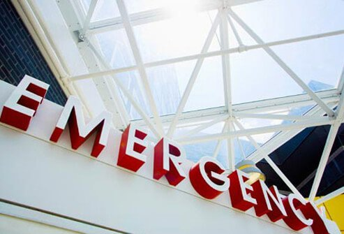Photo of emergency room sign.