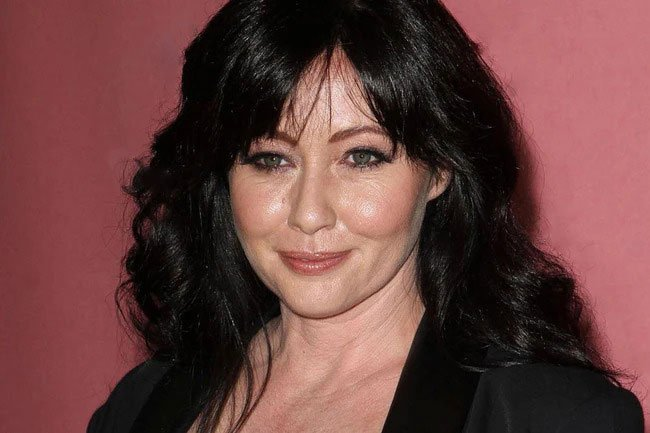Shannen Doherty is public with her battle with breast cancer.