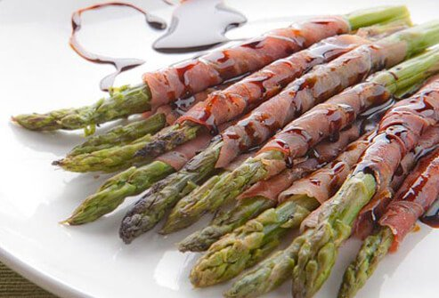 Photo of asparagus and prosciutto.